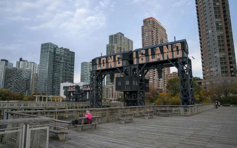 View from the city of Long Island, on the east side of Manhattan