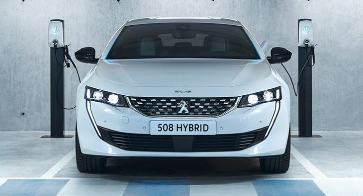 PEUGEOT 508PHEV 1809PB 009 730x395 Peugeot opens a new additive in the hybrid range