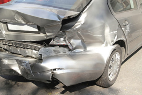 What to do at the back of the car accident after a real truck or cargo accident